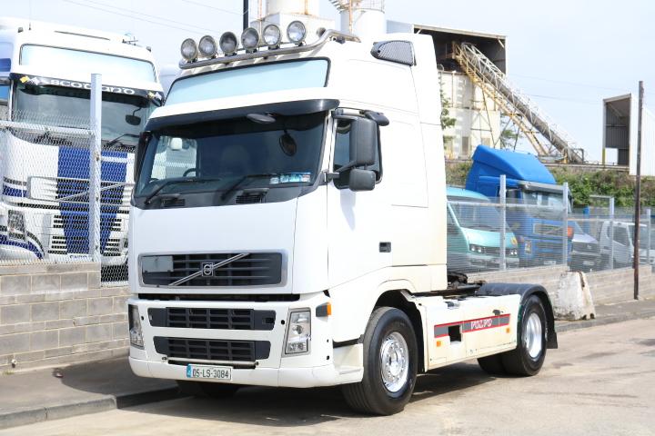 VOLVO FH12.460 GT XL 4X2 TRACTOR (2005) - Comvex Truck Exporter