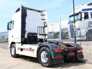 VOLVO FH12.460 GT XL 4X2 TRACTOR (2005)
