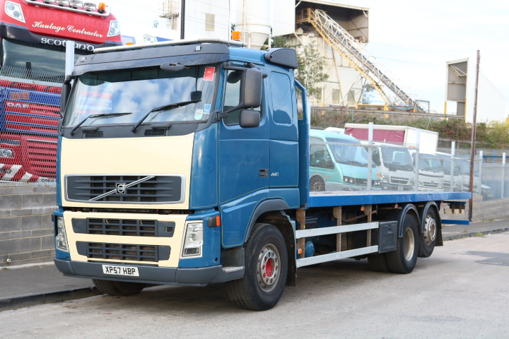 VOLVO FH13.440 6X2 FLATBED (2008)